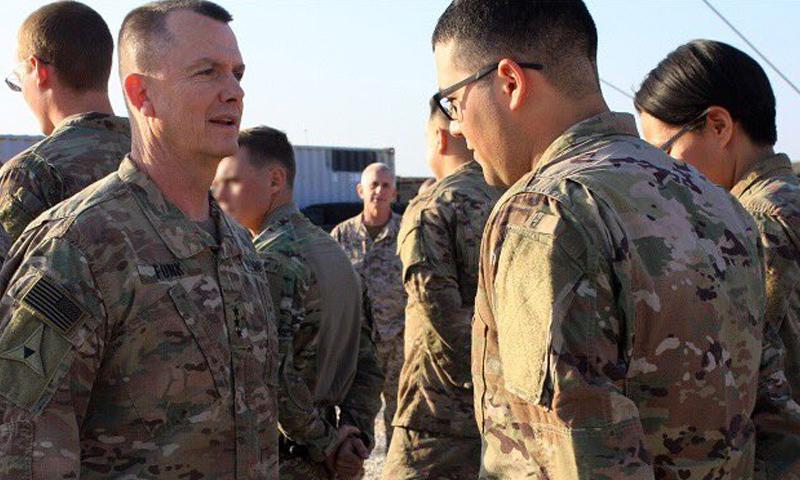 الجنرال بول فونك القائد العام للفرقة الثالثة المدرعة في الجيش الأمريكي في منبج - 7 شباط 2018 (حساب الجنرال في تويتر)