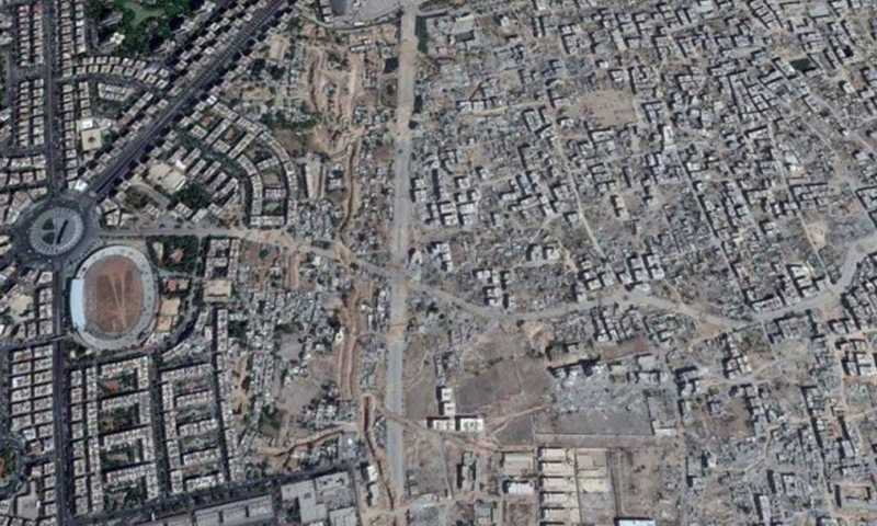 صورة جوية تظهر فارق الدمار في الغوطة الشرقية عن باقي مناطق العاصمة دمشق - (انترنت)