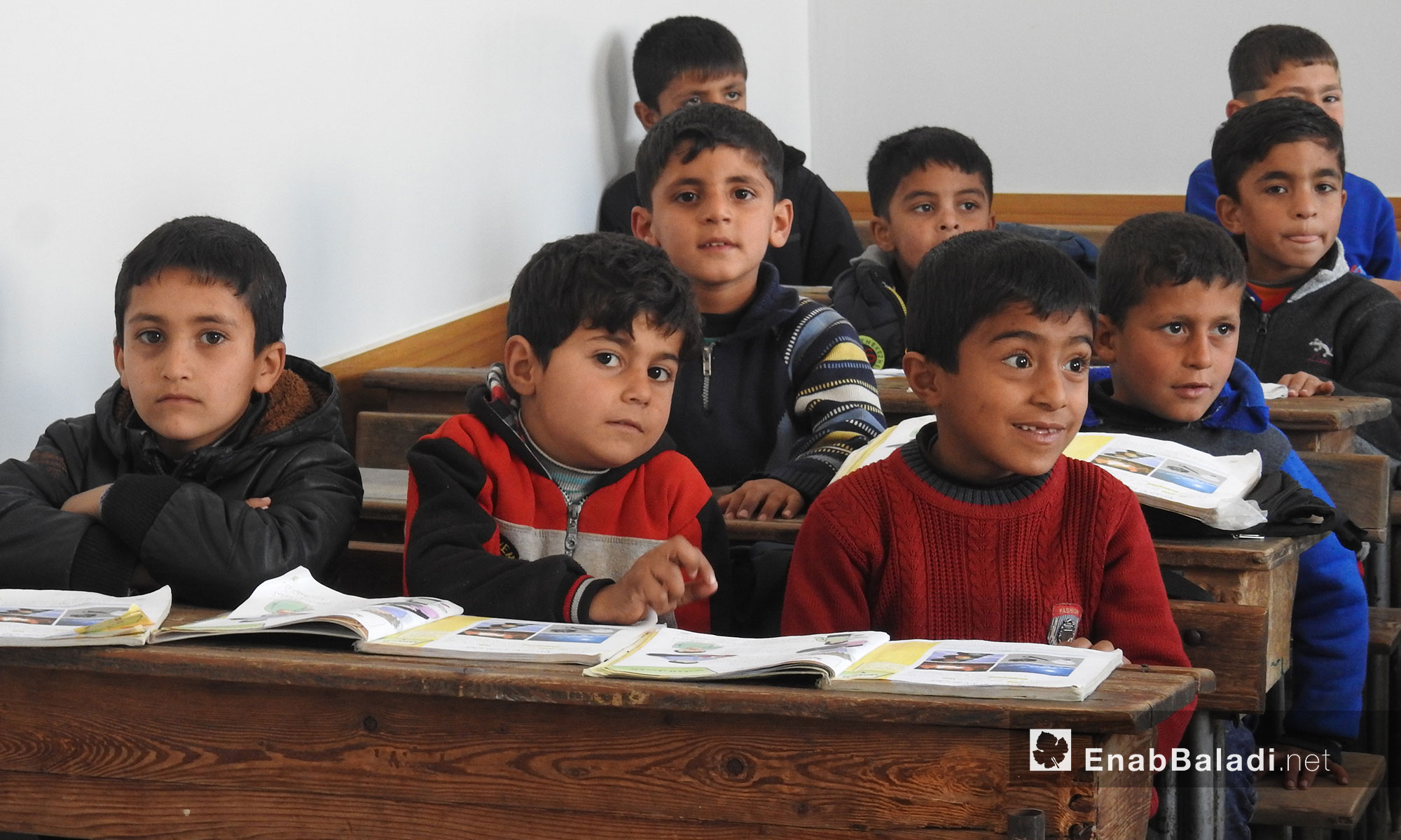 طلاب يبدؤون الفصل الثاني للعام الدراسي  في مدارس بلدة دابق بريف حلب الشمالي - 5 شباط  2018 (عنب بلدي)