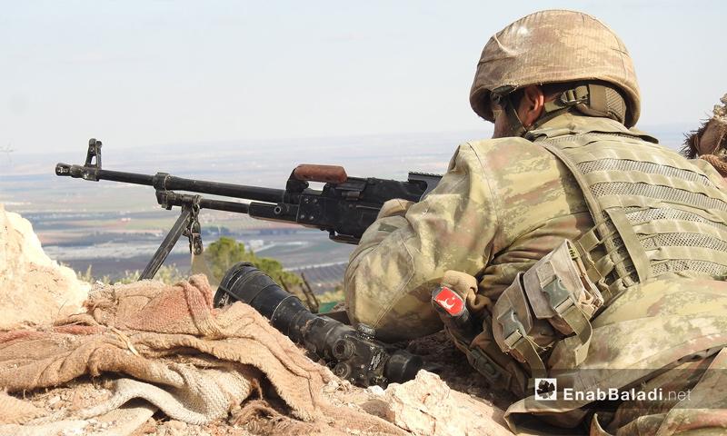 """عنصر من الجيش الحر في معركة """"غصن الزيتون"""" في منطقة عفرين شمالي حلب - 1 شباط 2018 (عنب بلدي)"""
