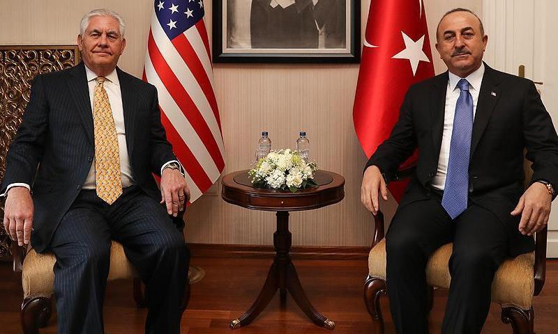 وزيرا الخارجية الأمريكي والتركي ريكس تيلرسون ومولود جاويش أوغلو - 16 شباط 2018 (الأناضول)