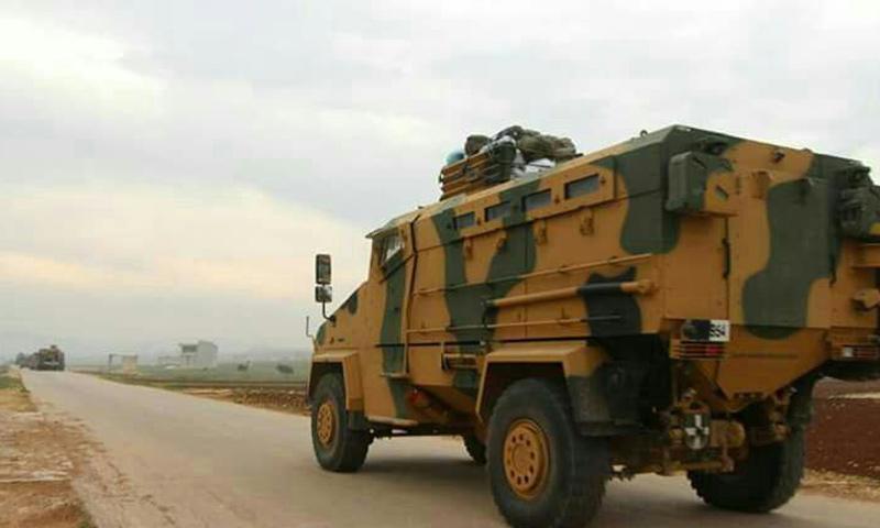 عربة عسكرية للجيش التركي أثناء دخولها إلى تلة العيس جنوبي حلب - 5 شباط 2018 (فيس بوك)