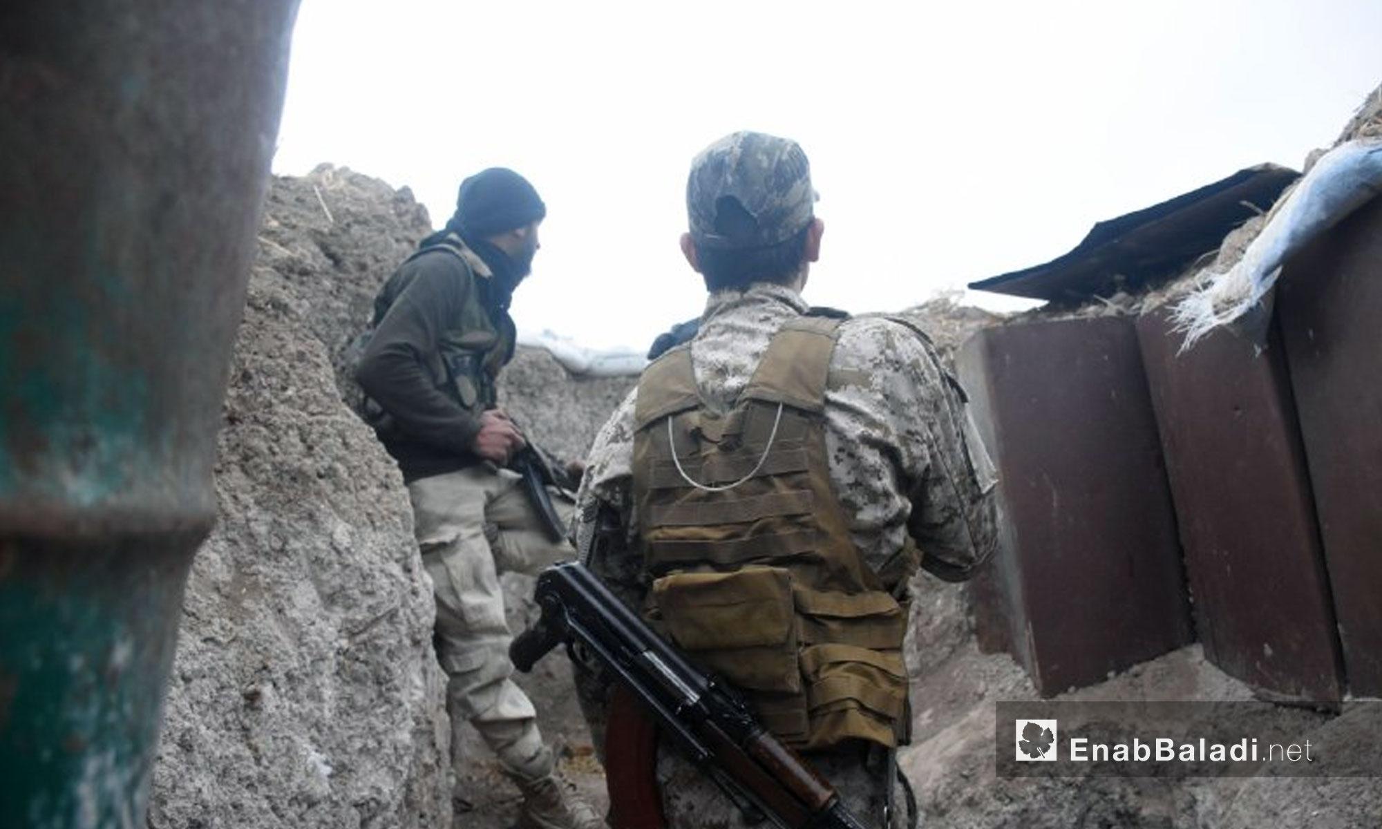 عناصر من جيش الإسلام في بلدة حوش الضواهرة بالغوطة الشرقية - 13 شباط 2018 (عنب بلدي)