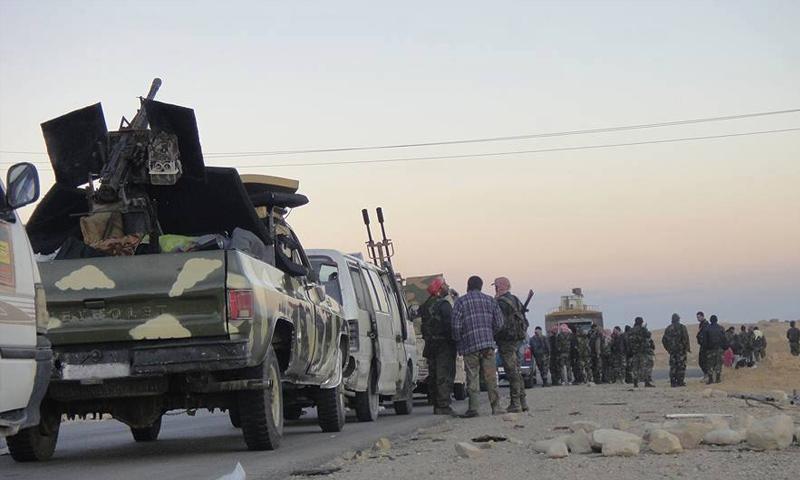 رتل لقوات الأسد على جبهات ريف حماة الشرقي - كانون الأول 2017 (فيس بوك)