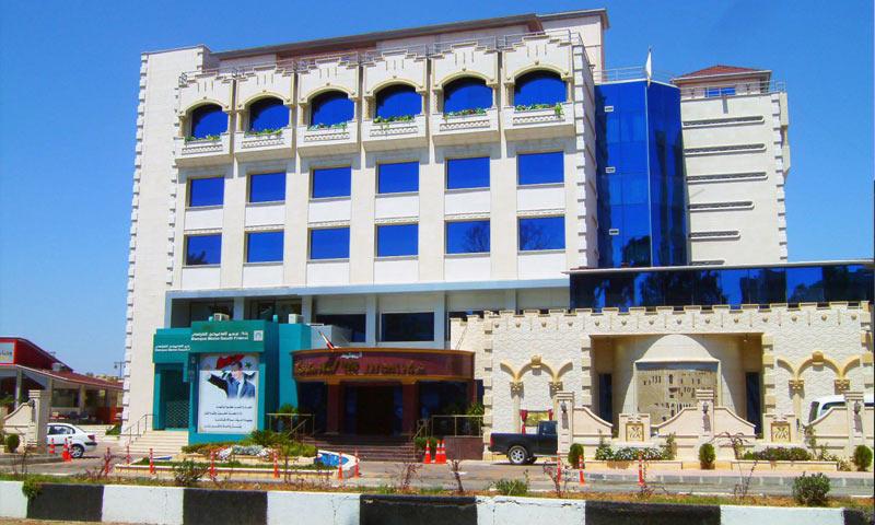 """فندق """"وايت روز""""(الوردة البيضاء) في درعا المحطة – 2009 (وكالات سورية محلية)"""