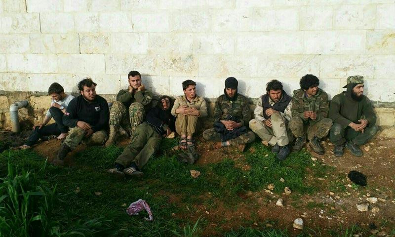 """عناصر من """"تحرير الشام"""" أعلنت """"تحرير سوريا"""" أسرهم في ريف إدلب - 5 آذار 2018 (حسابات مقربة من تحرير سوريا)"""
