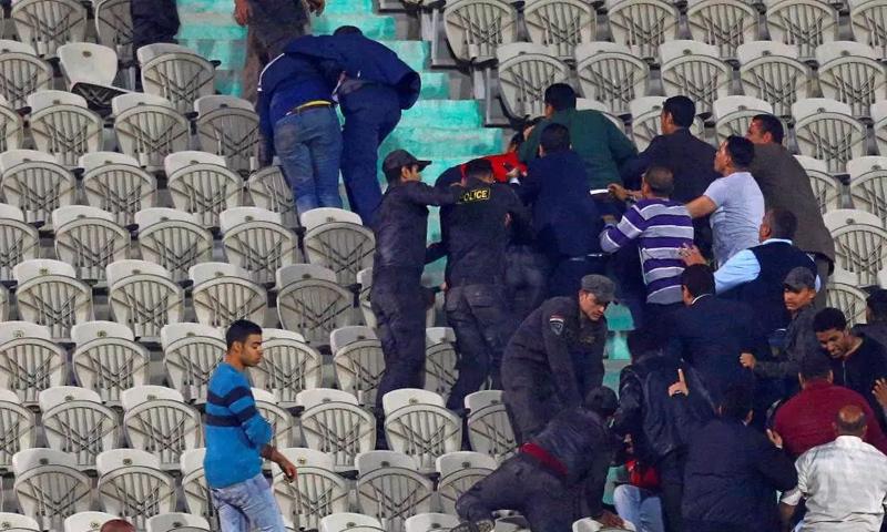 اشتباكات بين قوات الأمن المصرية ومشجعي النادي الأهلي - 6 آذار 2018 (فيس بوك)