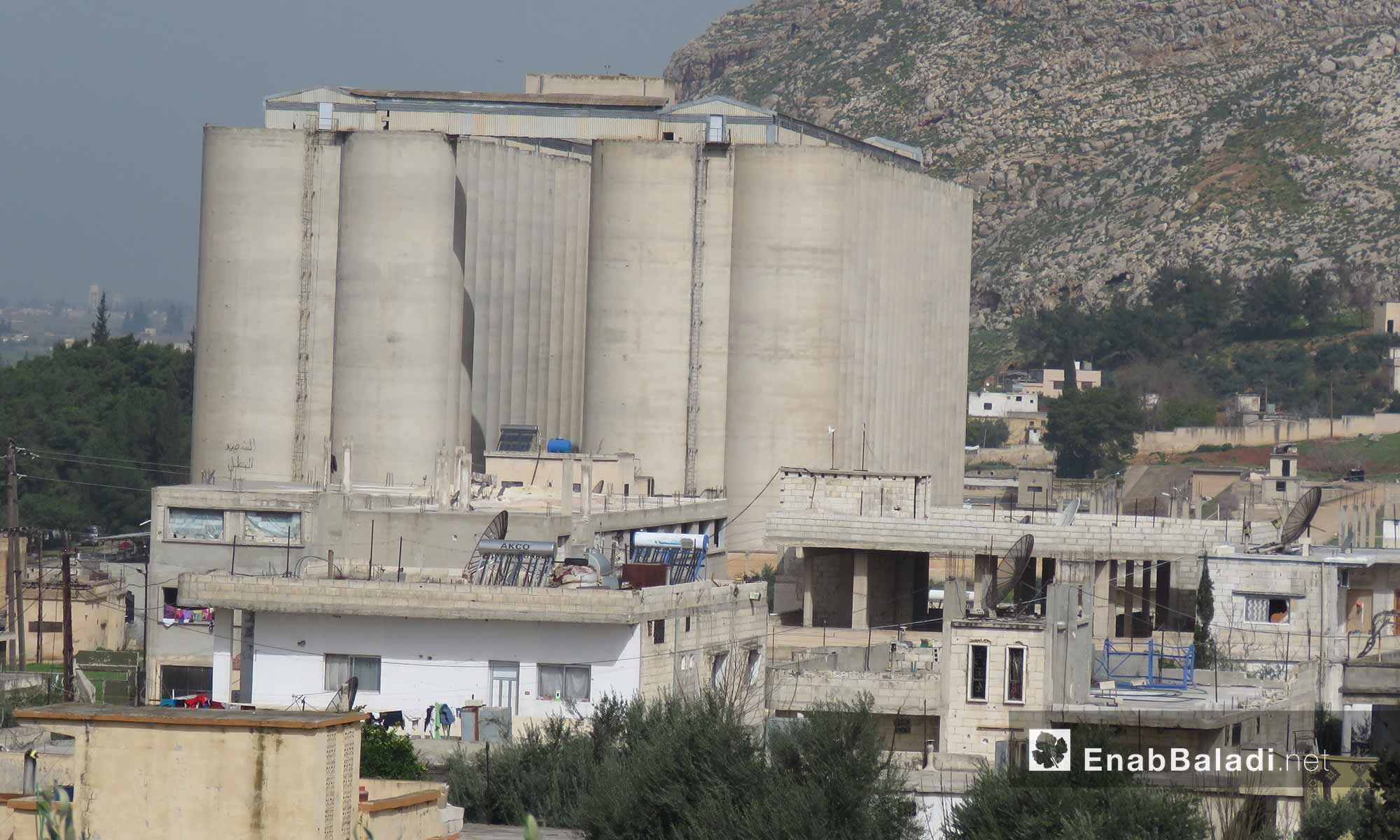 صوامع في قلعة المضيق غربي جماة - 5 آذار 2018 (عنب بلدي)