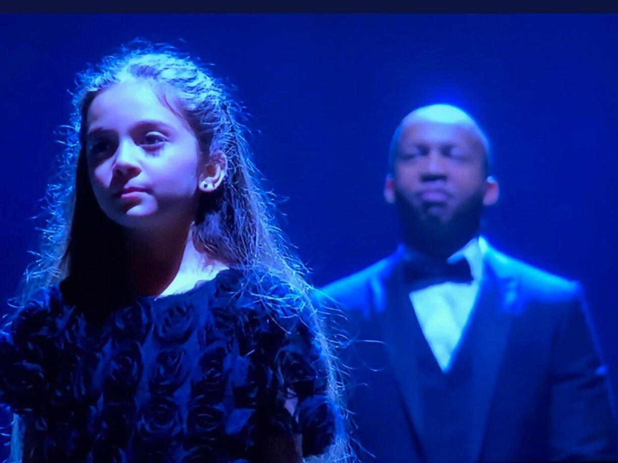 بانا العابد خلال أدائها أغنية عن سوريا في حفل توزيع جوائز الأوسكار في هوليوود الأمريكية - 4 آذار 2018 (تويتر)