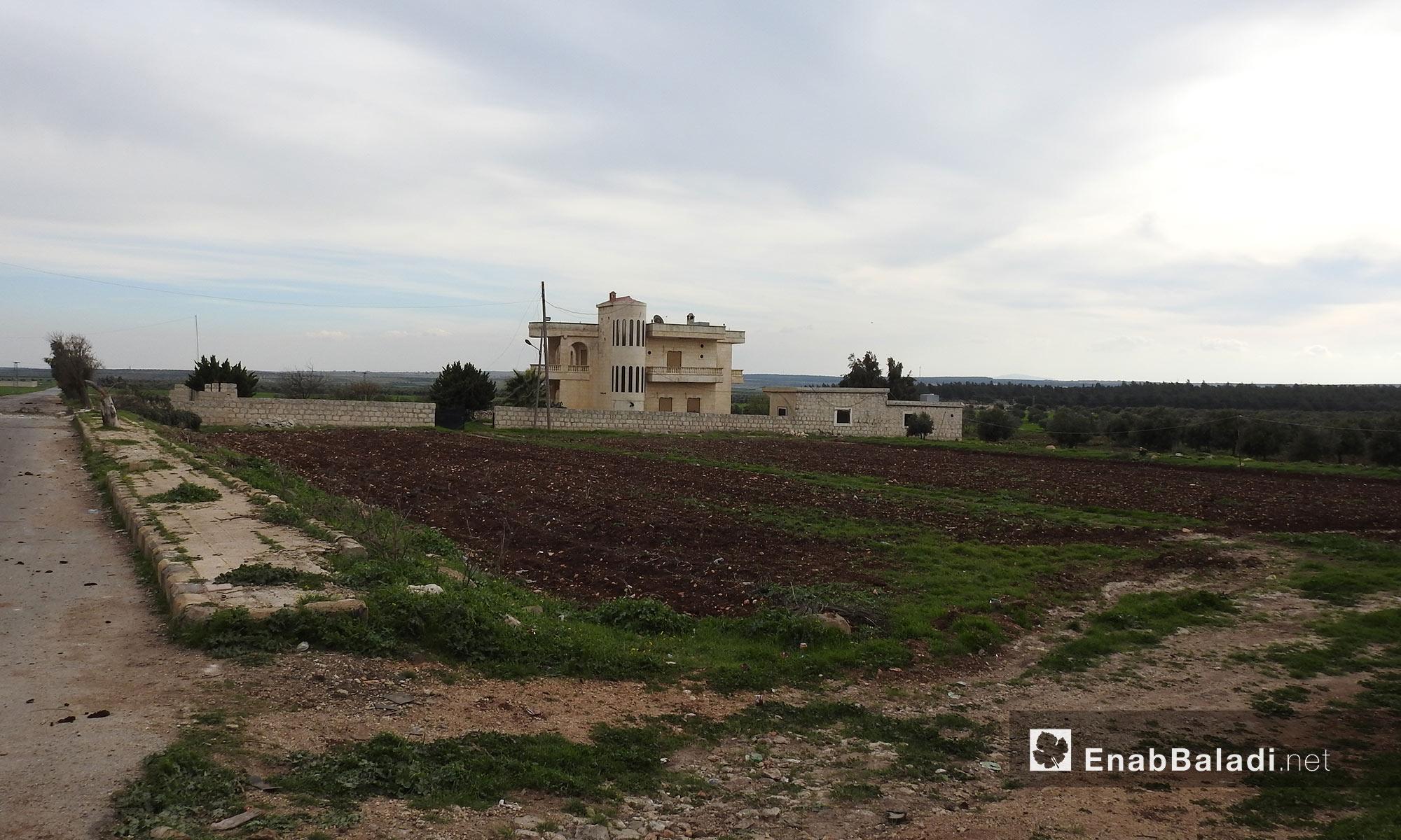 منازل بين قرى جلبل ومريمين وأناب في عفرين - 11 آذار 2018 (عنب بلدي)