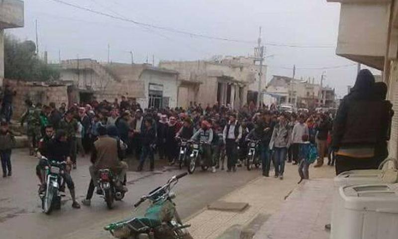 مظاهرات في مدينة انخل تطالب بإخراج هيئة تحرير الشام - 28 آذار 2018 (فيس بوك)
