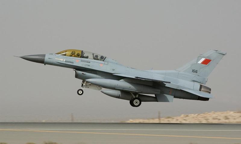 طائرة حربية بحرينية (franknoort)