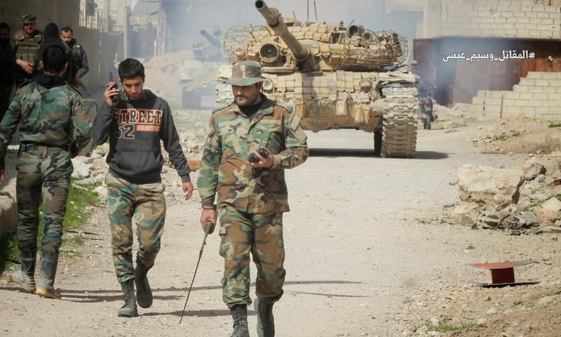 عناصر من قوات الأسد على جبهة النشابية في الغوطة الشرقية - 3 آذار 2018 (وسيم عيسى)