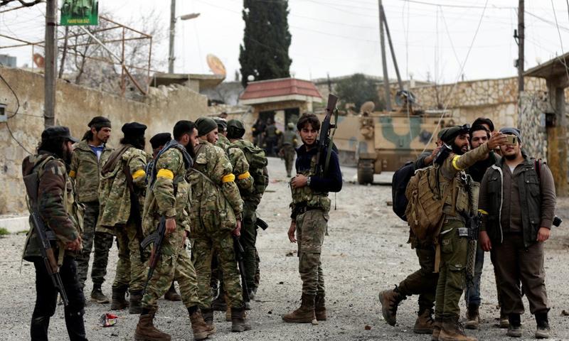 عناصر من الجيش الحر على محور شران بريف عفرين - 5 آذار 2018 (trt)