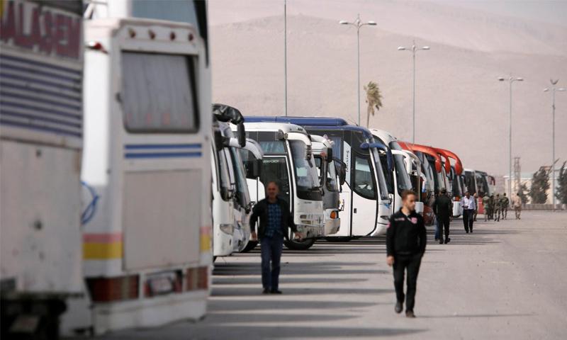 إخلاء مهجري حرستا من الغوطة الشرقية - 24 آذار 2018 (Reuters)