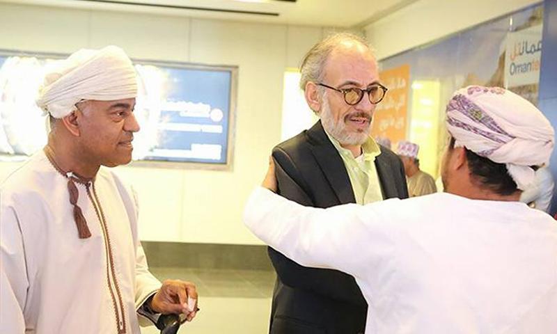 تكريم غسان مسعود في مهرجان مسقط السنمائي (فيس بوك)