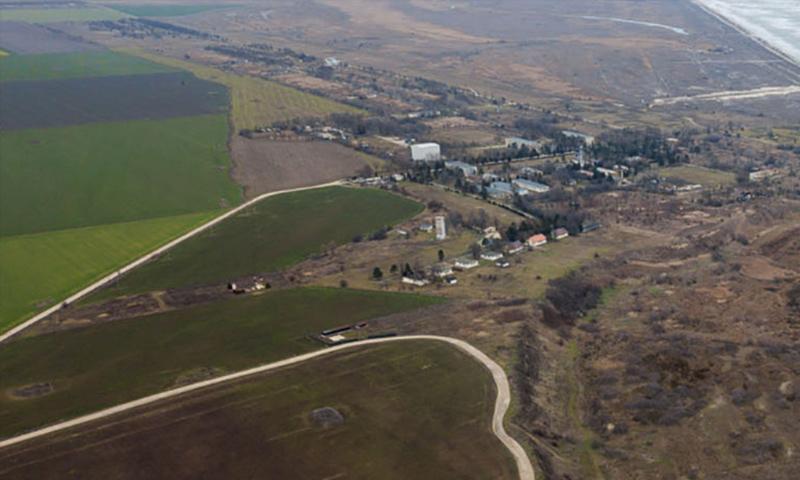 صورة جوية تظهر القاعدة العسكرية المستخدمة من حلف الناتو (occrp)