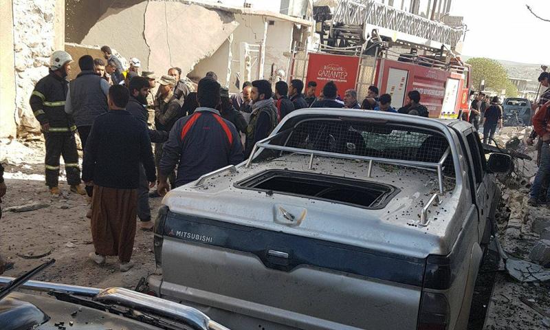 آثار انفجار سيارة مفخخة وسط مدينة جرابلس - 25 آذار 2018 (فيس بوك)