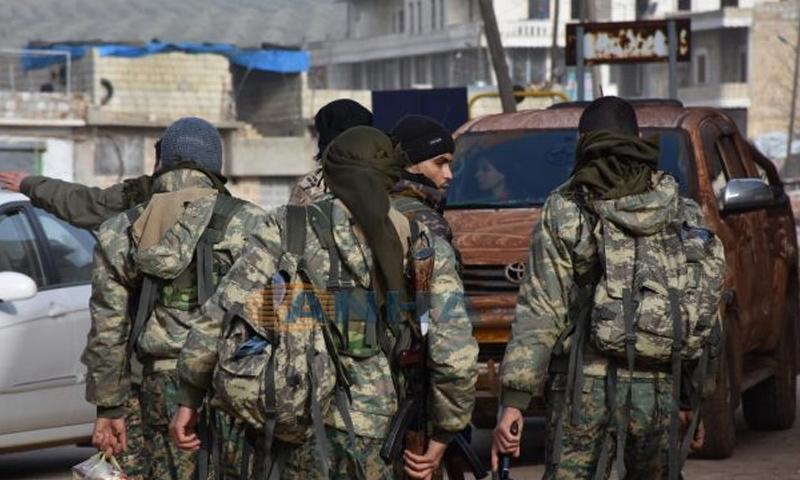 عناصر من وحدات حماية الشعب الكردية في مدينة عفرين - شباط 2018 (ANHA)