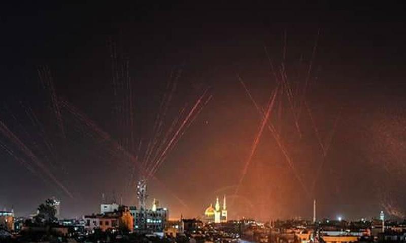 إطلاق رصاص في سماء العاصمة دمشق ضمن احتفالات فرحًا بتهجير أهالي الغوطة الشرقية - 24 آذار 2018 (معتز موعد)