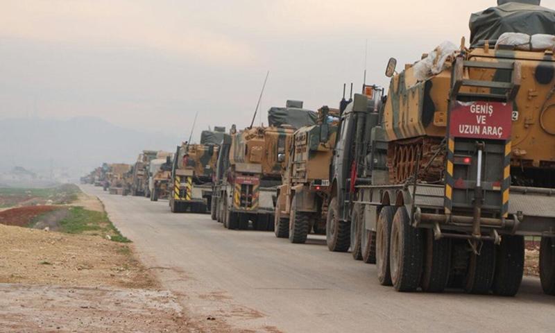 عربات عسكرية تركية تتجه إلى الحدود السورية من جهة منطقة عفرين- كانون الثاني 2018 (الأناضول)
