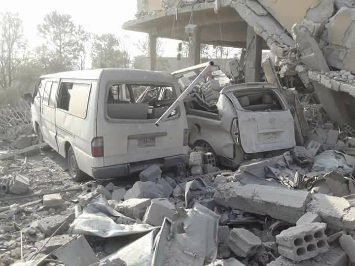 اثار القصف من داخل مركز البحوث العلمية (صفحات موالية للنظام السوري في فيس بوك)