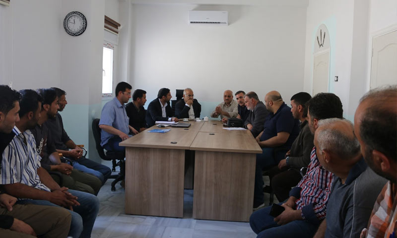 اجتماع المجلس المحلي في جرابلس لبحث مشروع تعبيد الطريقين شمالي حلب - 29 من نيسان 2018 (المجلس المحلي في جرابلس)