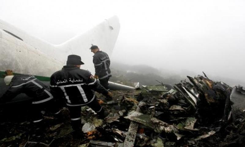 سقوط طائرة عسكرية في الجزائر - 11 نيسان 2018 (الأناضول)