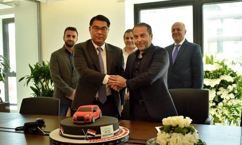 رئيس مجموعة أمان القابضة سامر فوز مع نائب رئيس المجموعة شركة هيونداي كوميرشال HMC الكورية توني كيم (سيريانديز)