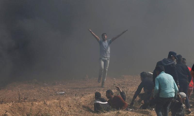 اشتباكات في غزة بين فلسطينيين وجيش الاحتلال - 13 نيسان 2018 (TRT)
