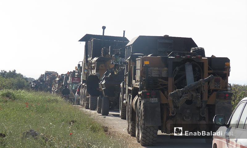 آليات ثقيلة ضمن رتل تركي يدخل ريف حماة لتبيث نقطة المراقبة التاسعة - 7 نيسان 2018 (عنب بلدي)