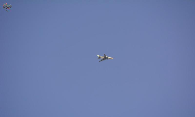 طائرة حربية للنظام السوري تقصف بلدات جنوب دمشق - 20 نيسان 2018 (ربيع ثورة)