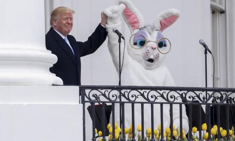 الرئيس الأمريكي دوناد ترامب في خطاب له في البيت الأبيض - 3 نيسان 2018 (رويترز)