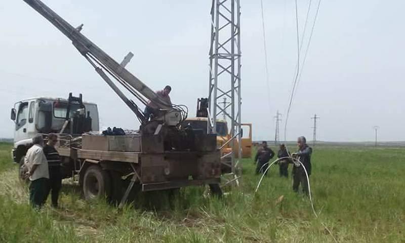 ورشات النظام قرب خط الكهرباء 66 في درعا - نيسان 2018 (مديرية كهرباء درعا)