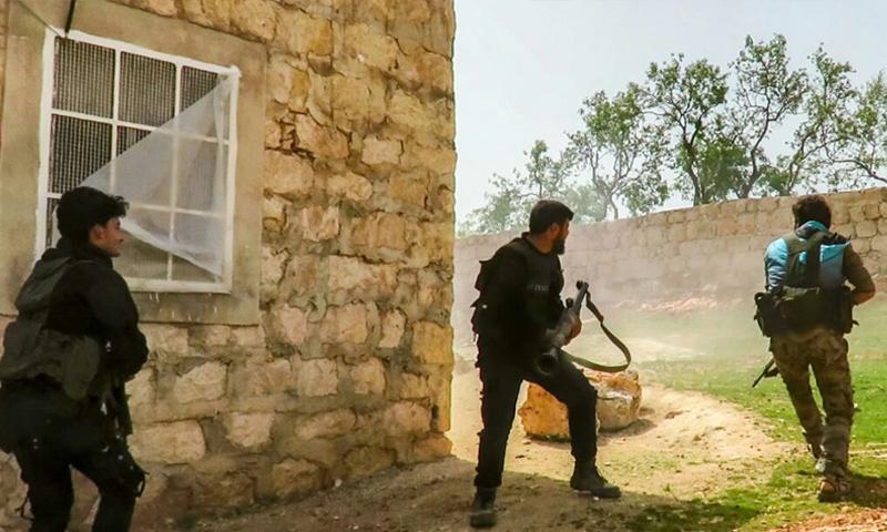 عناصر من جبهة تحرير سوريا يتصدون لمحاولة تقدم الهيئة على مكلبيس غربي حلب - آذار 2-18 (إباء)