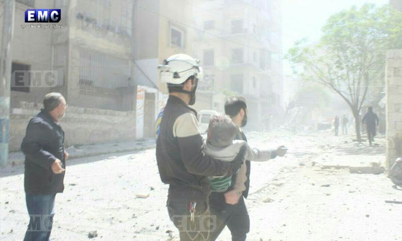 آثار القصف الجوي على مدينة أريحا بريف إدلب - 4 نيسان 2018 (مركز إدلب الإعلامي)