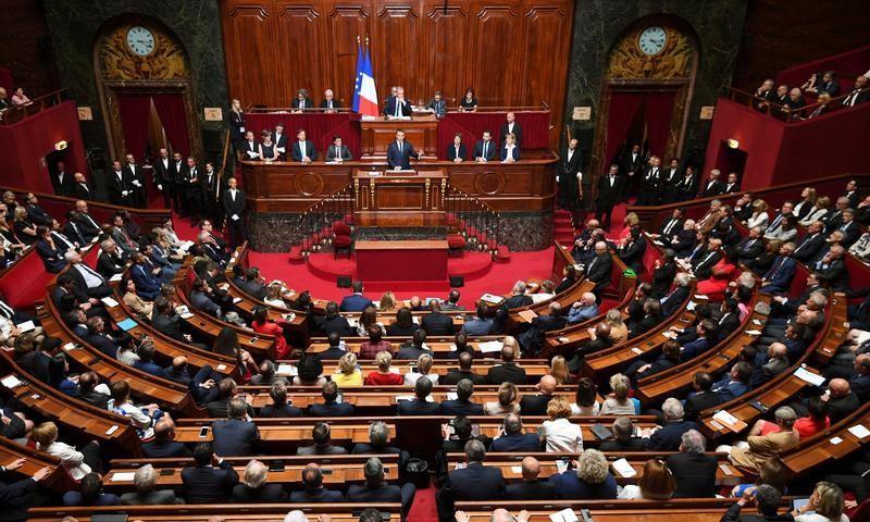 البرلمان الفرنسي (رويترز)