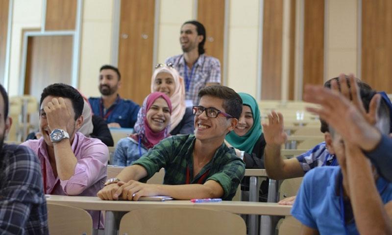 طلاب في جامعة كارابوك التركية (موقع الجامعة)