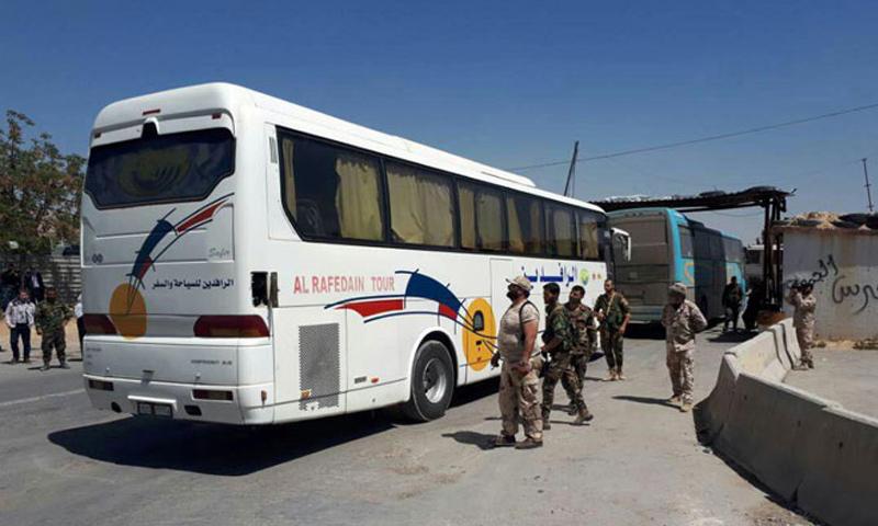 حافلات لنقل المهجرين من دوما إلى جرابلس - 2 نيسان 2018 (سانا)