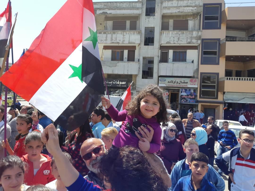 احتفالات في حلب عقب الضربة العسكرية الأمريكية على النظام السوري - 14 نيسان 2018 (التلفزيون السوري)