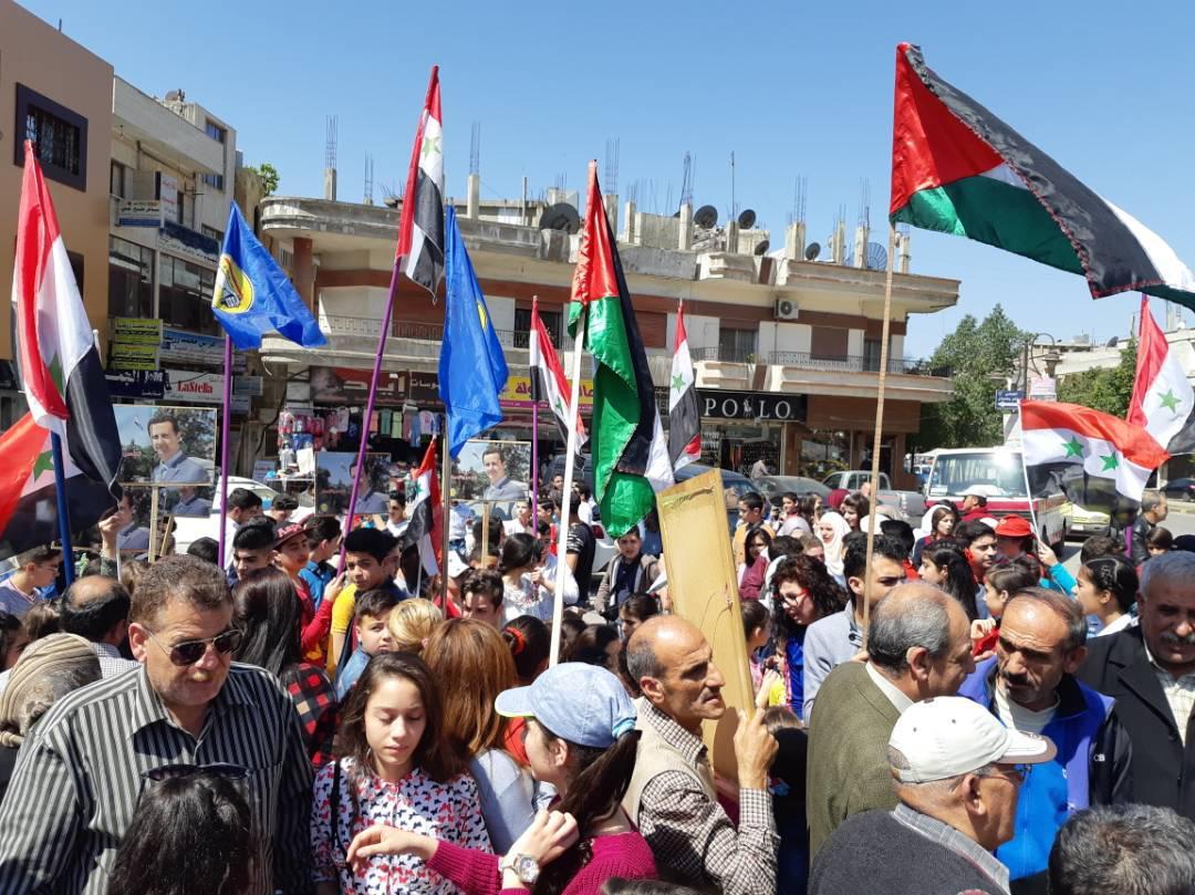 احتفالات في حمص عقب الضربة العسكرية الأمريكية على النظام السوري - 14 نيسان 2018 (التلفزيون السوري)