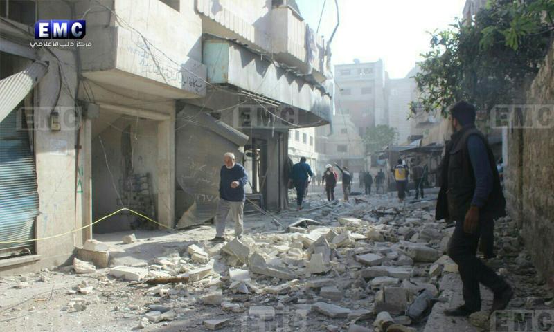 آثار القصف الجوي على مدينة أريحا بريف إدلب - 3 نيسان 2018 (مركز إدلب الإعلامي)