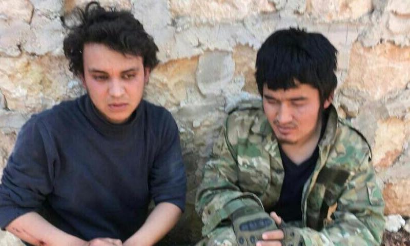 """أسيران من """"الحزب التركستاني"""" في ريف حلب الغربي - 16 من نيسان 2018 (تيلغرام)"""
