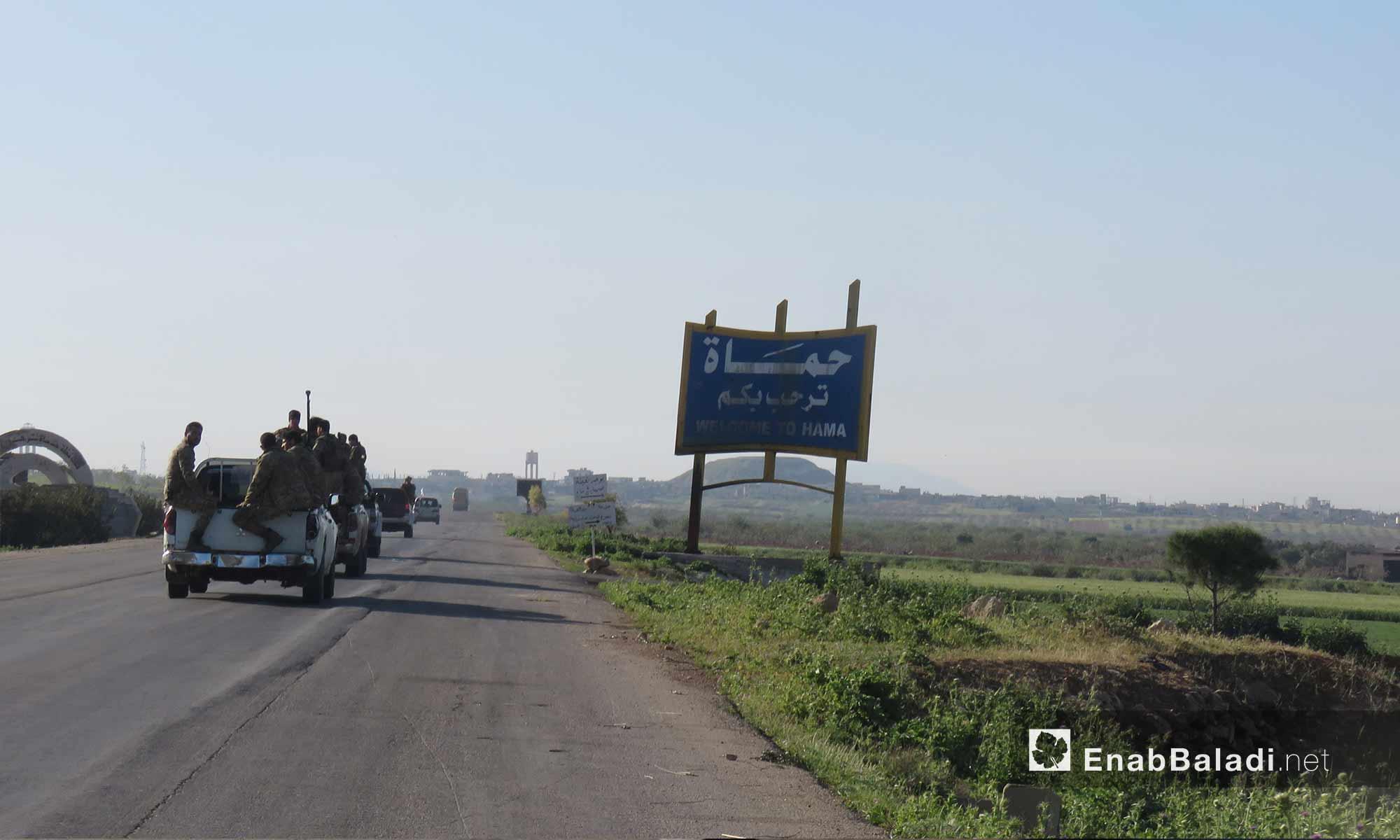 رتل تركي يدخل بوابة محافظة حماة لتبيث نقطة المراقبة التاسعة - 7 نيسان 2018 (عنب بلدي)