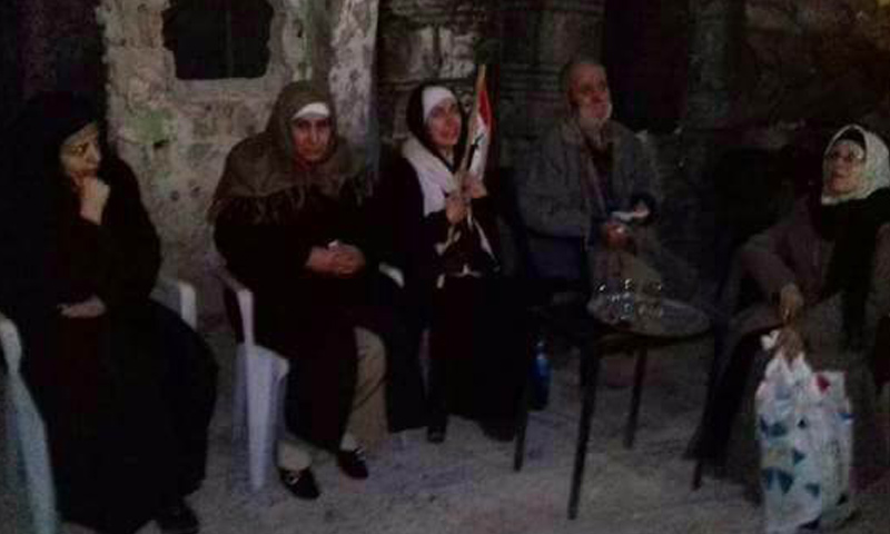 مخطوفين أفرج عنهم جيش الإسلام في الغوطة الشرقية - 4 نيسان 2018 (فيس بوك)