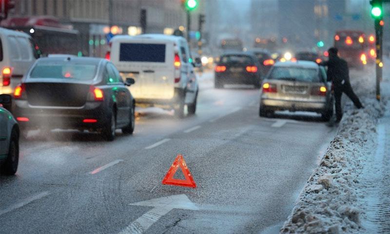 خطة السويد تشمل قوانين وتعديلات على الطرقات (connel/Shutterstock)