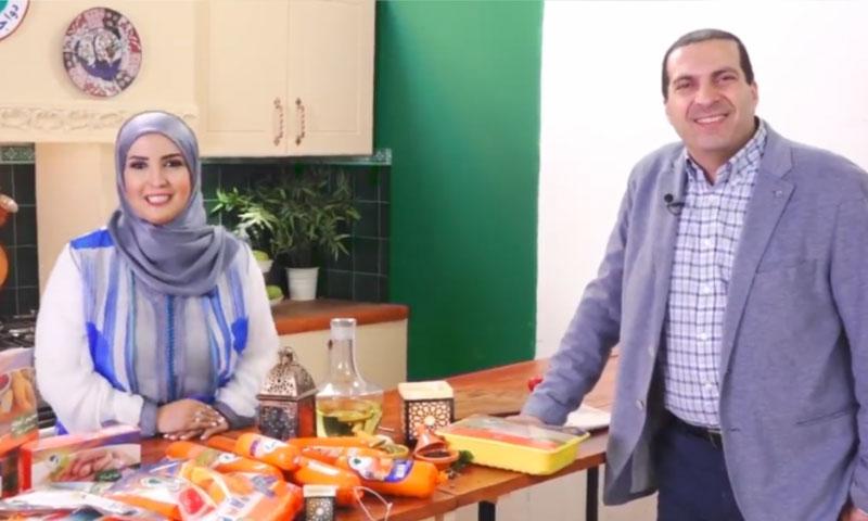 الداعية عمرو خالد في إعلان لدجاج الوطنية في مصر