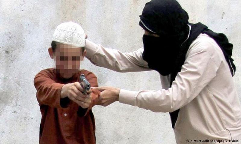 تعبيرية لطفل من تنظيم الدولة الإسلامية في العراق(DPA)