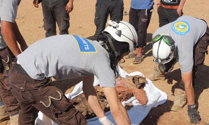 مقبرة جماعية في الرقة (تويتر) الحساب الشخصي للصحفي حسين بوظان