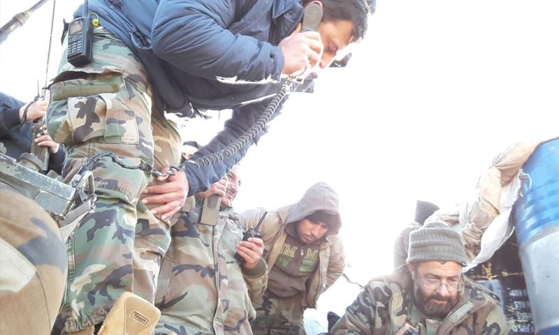 العميد في الفرقة الرابعة غياث دلا خلال مشاركته في معارك الغوطة الشرقية - كانون الثاني 2018 (فيس بوك)
